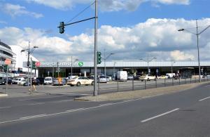Ein Jahr später – 2015 – steht das neue Bahnhofsgebäude.