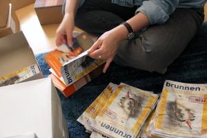 Der Flyer der Berliner Stadtreinigung wird ins Kiezmagazin eingelegt.