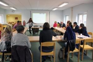 Schulleiterin Sabine Gryczke erklärt, wie der Wandel an der Schule gelang. Foto: Hensel