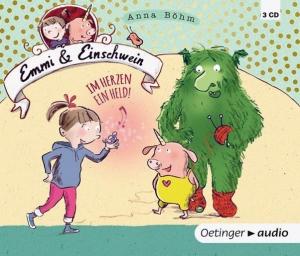 Der zweite Teil von Emmi & Einschwein hat keinen rosa Einband. Es gibt ihn auch als Hörbuch. Foto: Oetinger Verlag