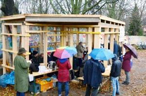 Richtfest im Niemandsland-Garten im Dezember 2018. Foto: Michael Becker