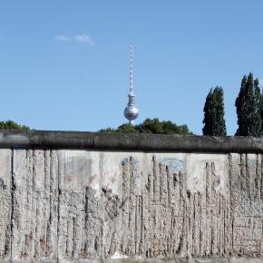 """""""Früher war  die Mauer  für michallgegenwärtig"""""""